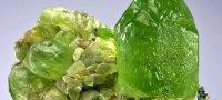 Хризопраз: свойства камня, кому подходит по знаку зодиака?