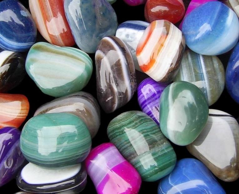 Камни для привлечения денег, благополучия и богатства