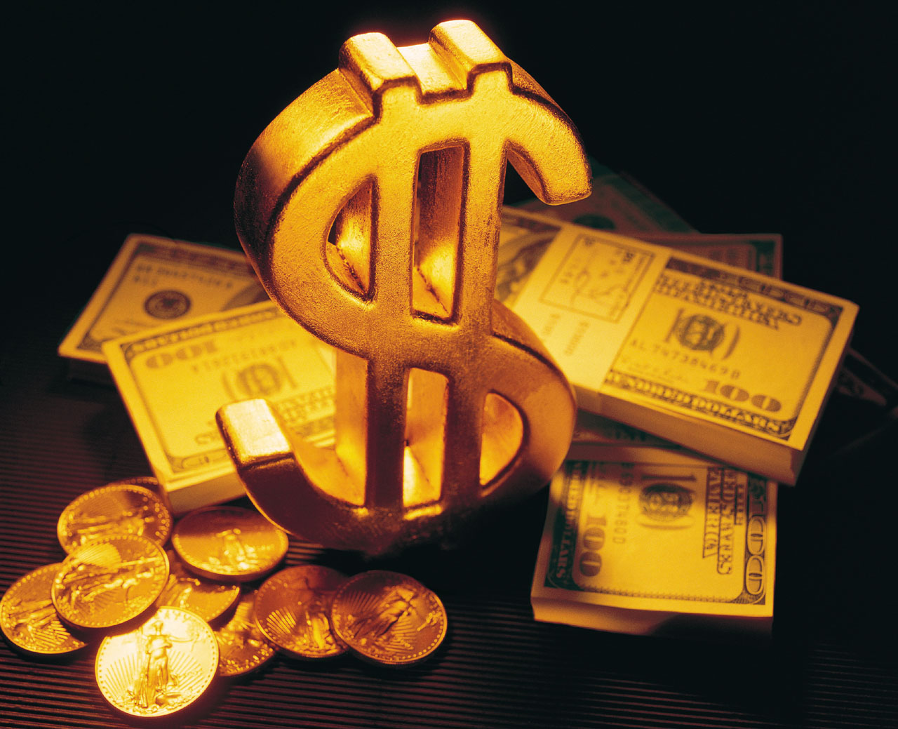 Привлечение денег при помощи магии: обряды, ритуалы, рунические амулеты