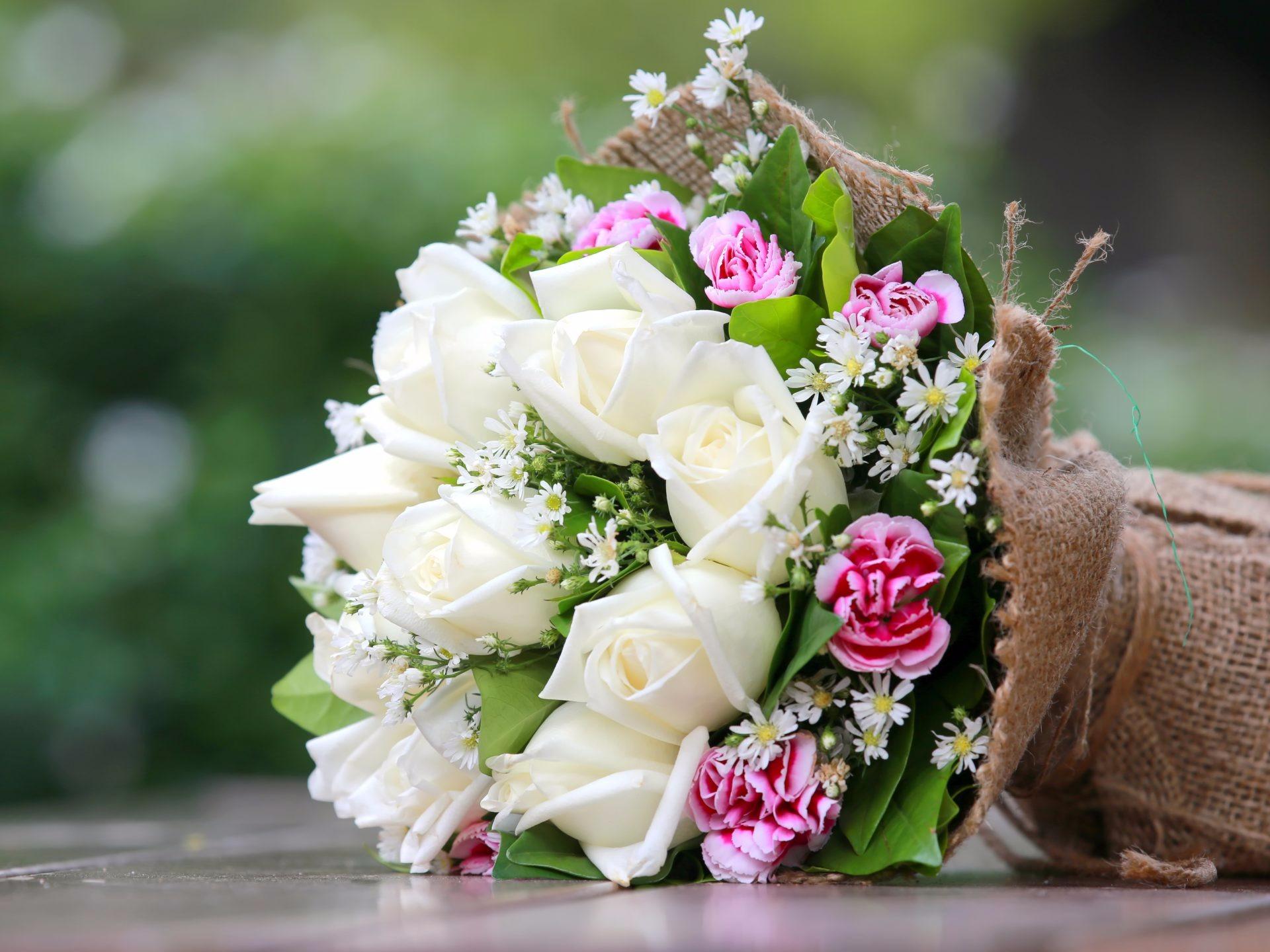 К чему снятся живые цветы — толкование в зависимости от вида, цвета, состояния цветков