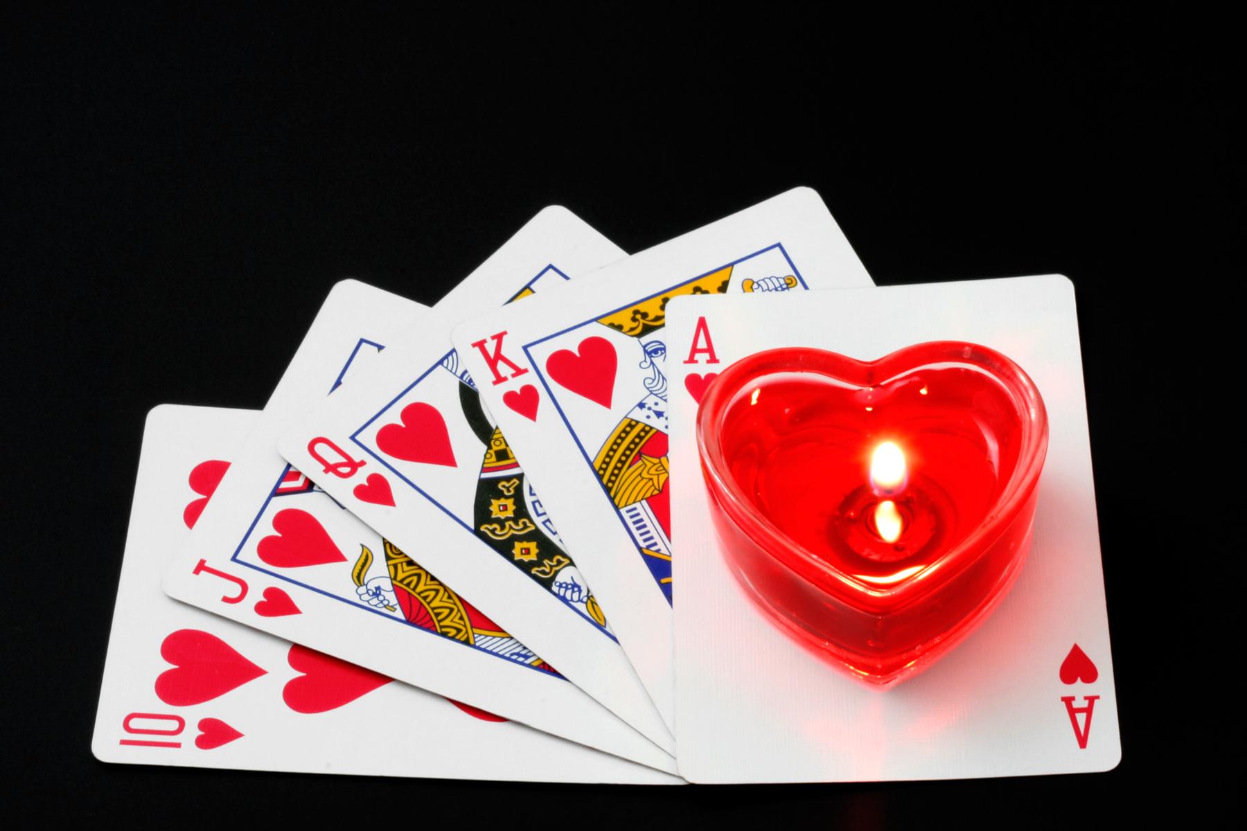 Гадание на любимого на игральных картах: способы и толкования