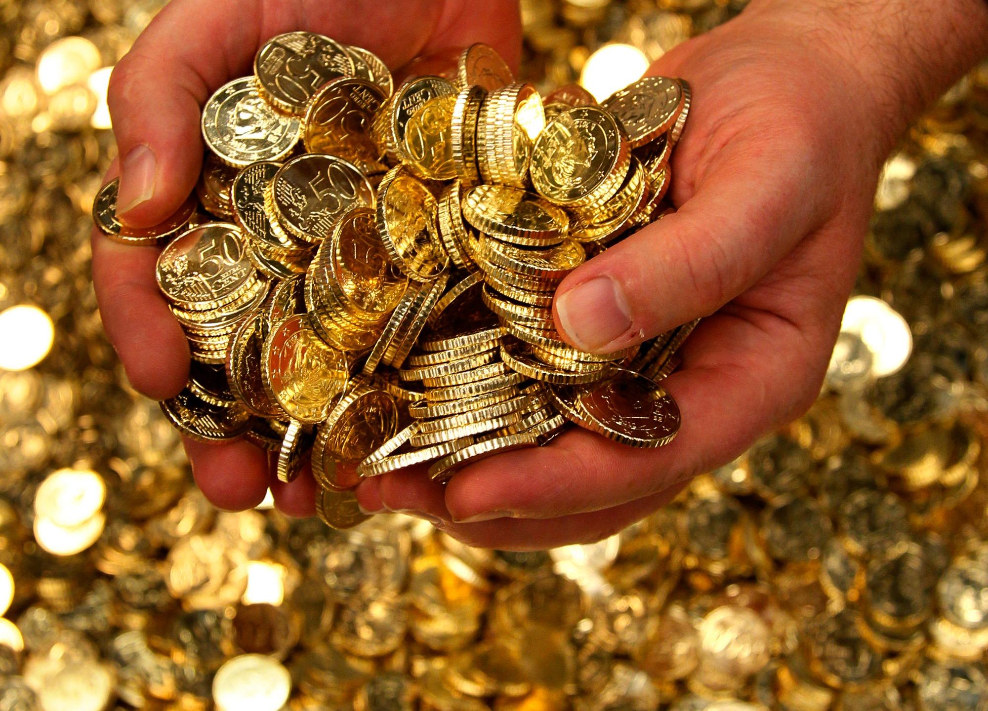 Самые действенные заговоры на монету: на богатство, торговлю, чтобы водились деньги