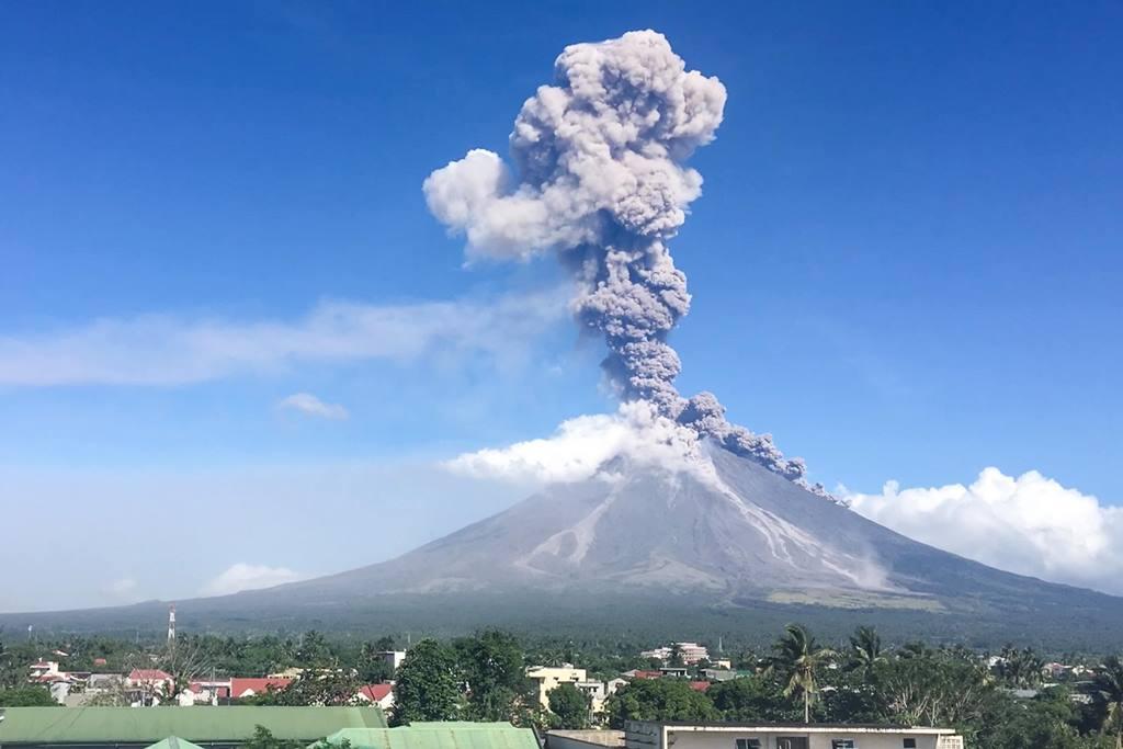 К чему снится вулкан: толкования известных сонников